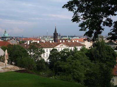 Prague vue de la vigne du chateau